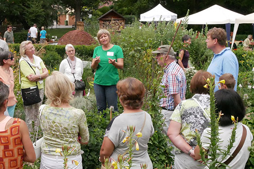 Führung durch den Möglinger Kräutergarten