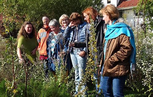 Besuch des Kräutergartenteams im Kräuterzentrum Wasenhof